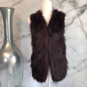 Sebby Collection Burgundy Faux Fur Vest Size M